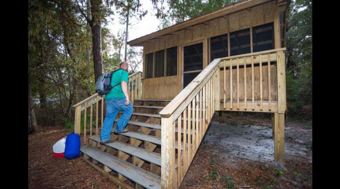 Six reservable camping shelters are available on the Perdido trail.